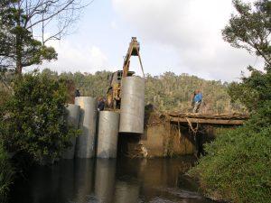 Consolidamento delle spalle a monte del ponte sul Lukosi a valle della centrale