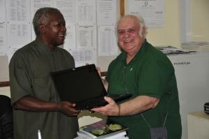 Il presidente di SCSF e il vice direttore del Bugando M.C.